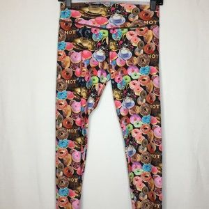 Leggings With Allover Print Of Donuts and Coffee